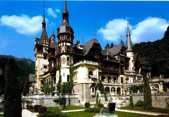 Bucarest, sur les traces de Dracula.Photos, lectures, peintures, vidéos etc... Wooden10
