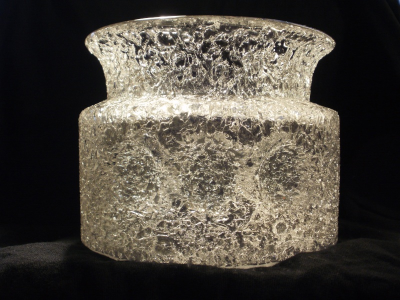 Clear Vase with Crackle/Broken Finish Pb020215