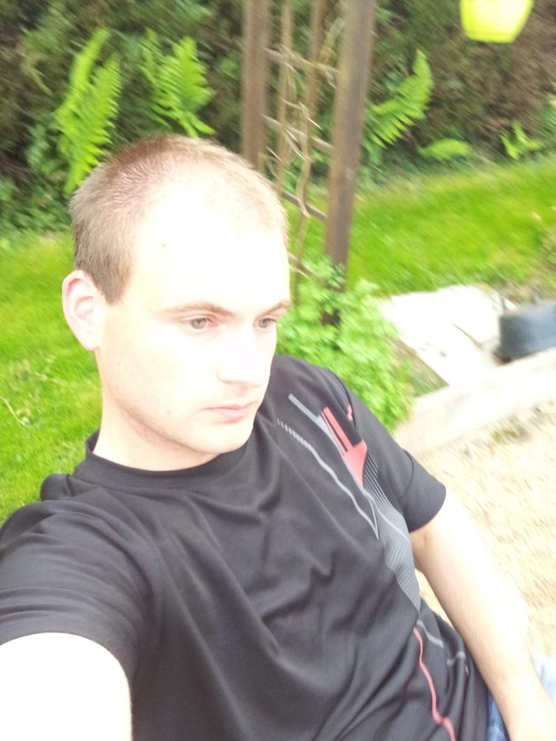 Le pilote qui va avec la moto 20140811