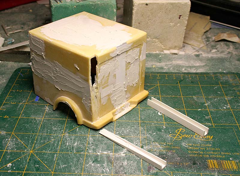 """FORD 1948 COE """"box van"""" : Terminé !!!! Img_8810"""