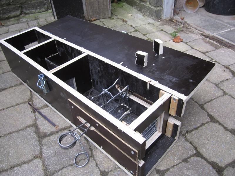 Fabrication d'une boite avec piège x destinée a la régulation d'une fouine Img_4915