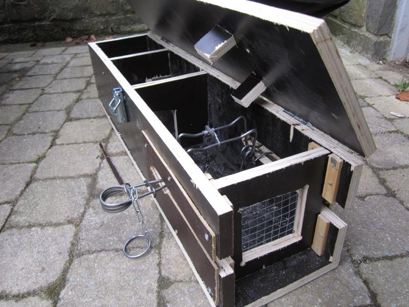 Fabrication d'une boite avec piège x destinée a la régulation d'une fouine Img_4916
