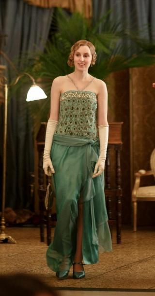 Les plus belles robes vues à l'écran - Page 3 Edith_12