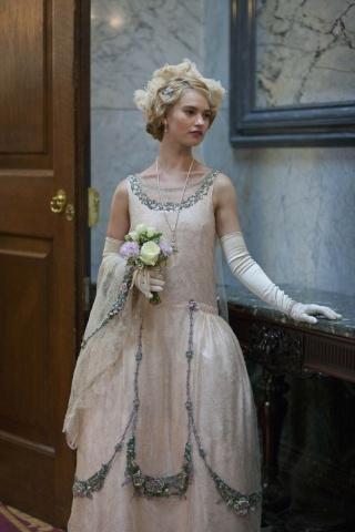 Les plus belles robes vues à l'écran - Page 3 Lady-r11