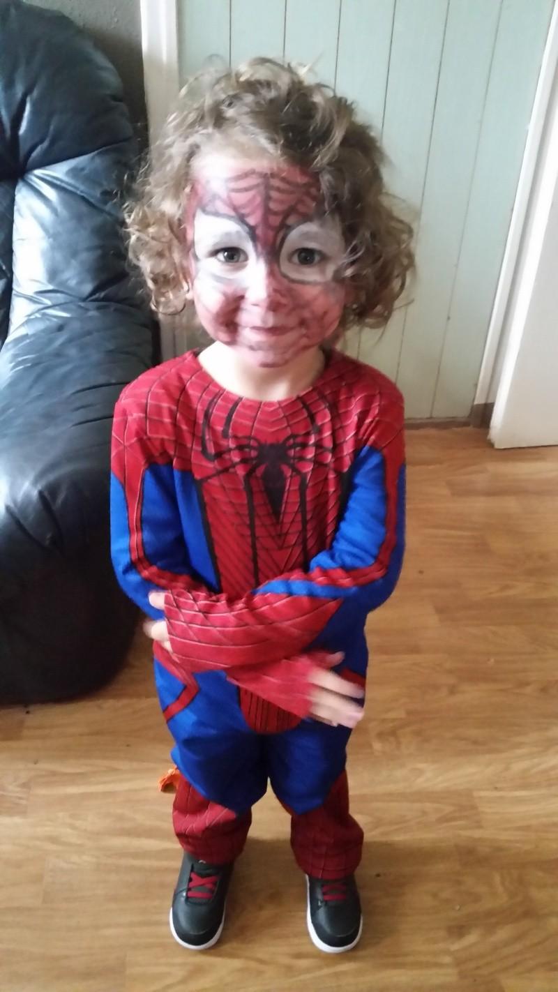 Demande montage pour invitation spiderman 20141011