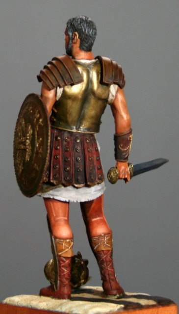 Ma dernière figurine: Maximus, le gladiateur. Img_5515