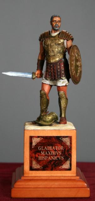 Ma dernière figurine: Maximus, le gladiateur. Img_5517