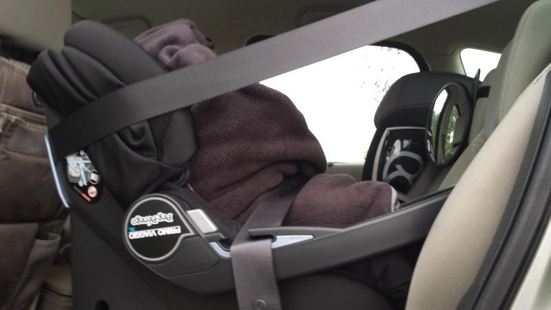 Couverture Babynomade ByBUM et probleme fixation cosy avec ceinture de sécurité 20141012
