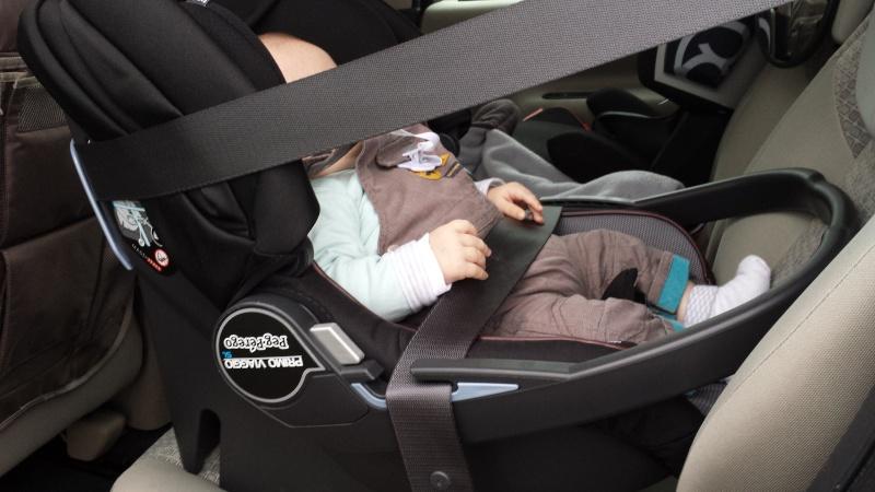 Couverture Babynomade ByBUM et probleme fixation cosy avec ceinture de sécurité 20141014