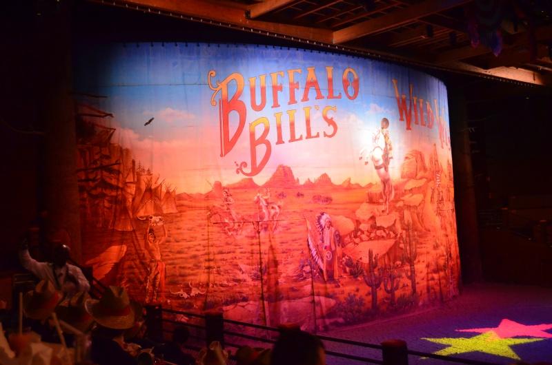 [Dîner-spectacle] La Légende de Buffalo Bill ... avec Mickey et ses amis ! - Page 19 Dsc_0215
