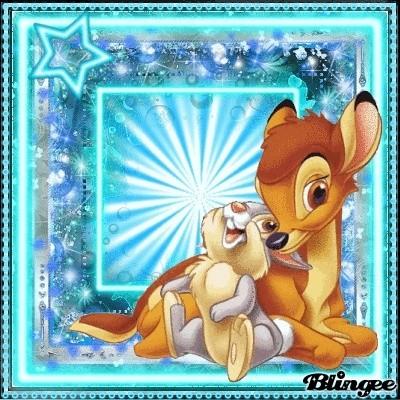Le père Noël ammène sa hotte remplie de cadeaux pour tous les enfants sages! 65931210