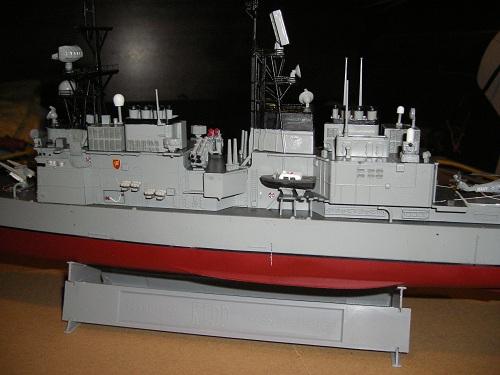 Destroyer USS Kidd DDG-993 à 1/350 Dragon ref. 1014  Imgp0631
