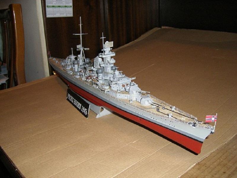 Allemande Croiseur lourd Prinz Eugen 1945 Trumpeter 1/350 réf. 05313  Imgp0639