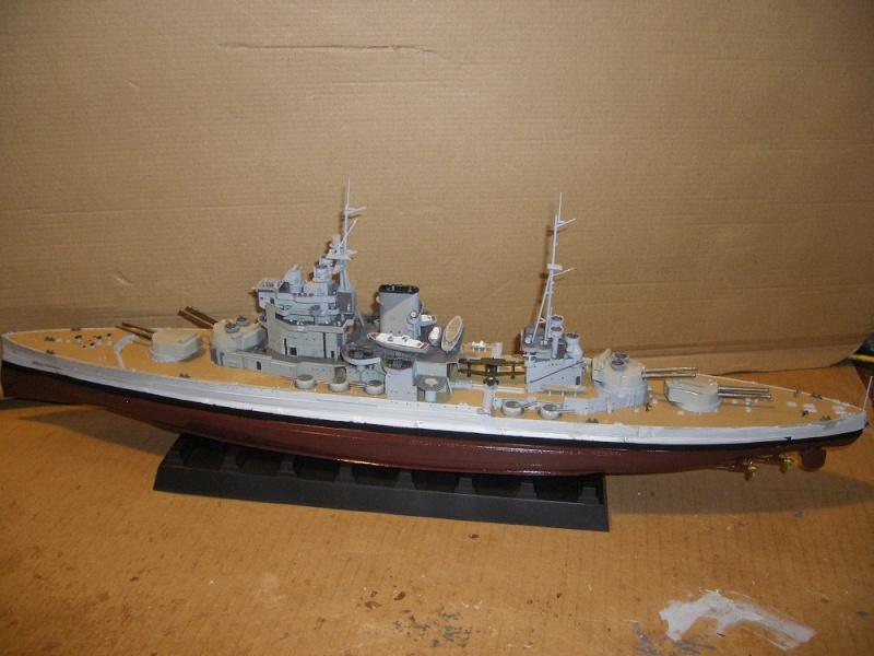 HMS Queen Elizabeth classe -Battleship 1/350 Trumpeter ref. 05324  Imgp0648