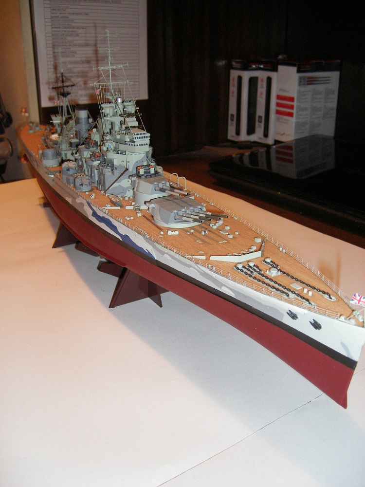 Bristish Battleship Prince of Wales à 1/350 Tamiya ref. 78011 Imgp0719