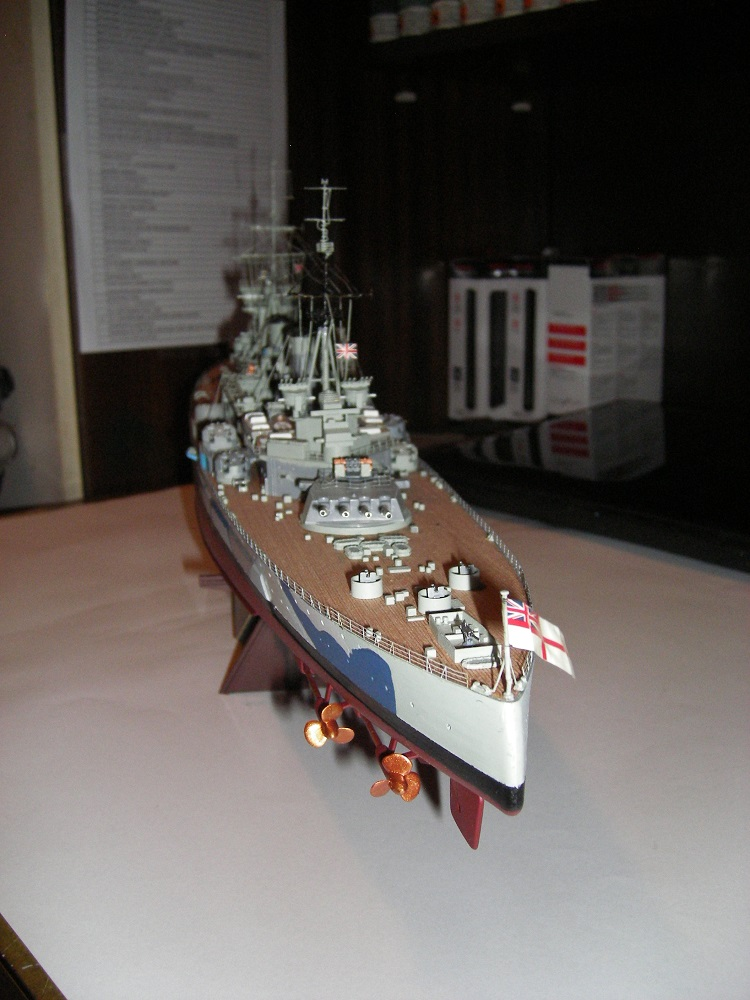 Bristish Battleship Prince of Wales à 1/350 Tamiya ref. 78011 Imgp0730