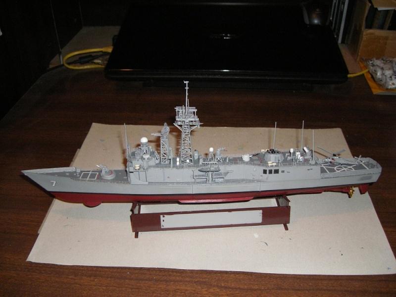 USS Navy frégate USS Oliver Hazard Perry FFG-7 Académie 1/350 réf. 14102  Imgp0733