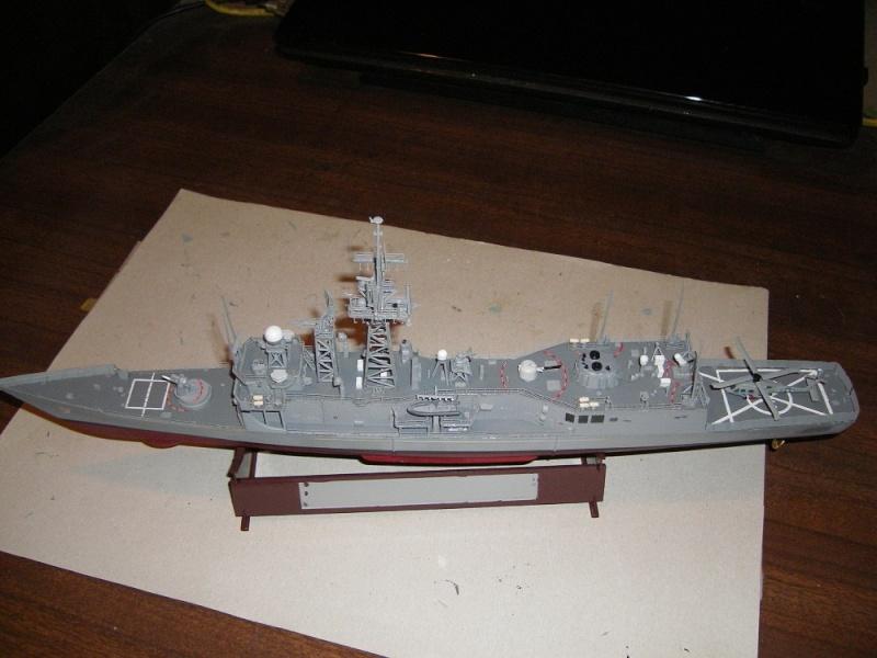 USS Navy frégate USS Oliver Hazard Perry FFG-7 Académie 1/350 réf. 14102  Imgp0734