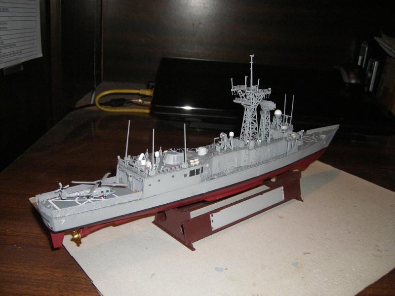 USS Navy frégate USS Oliver Hazard Perry FFG-7 Académie 1/350 réf. 14102  Imgp0742