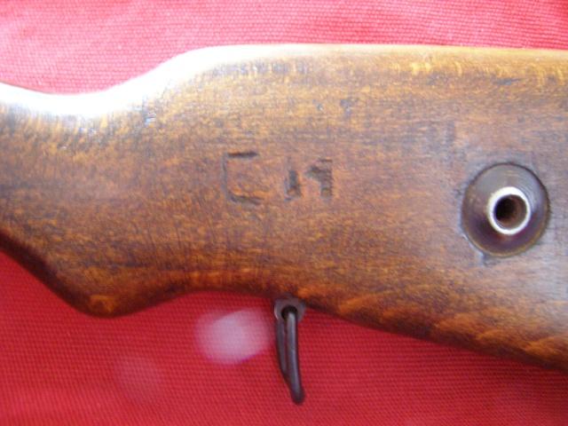 G98  marquage dont je n'arrive pas à trouver la correspondance Pc120014