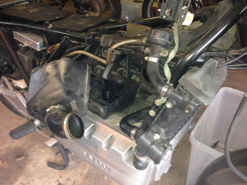 Removing the air filter box Bmw_k116