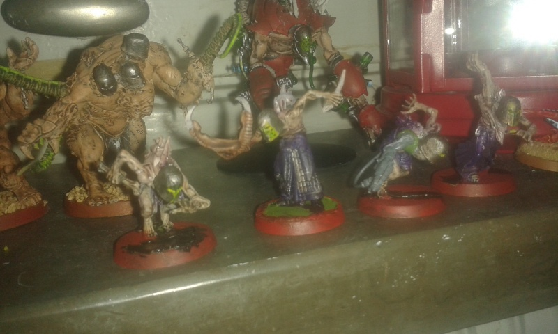 Wracked for life: mix between new wracks, new high elves, chaos warriors, ghouls, old dark eldar warriors, tyranids and green stuff Wrack_11