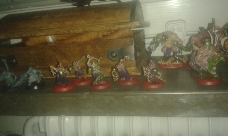 Wracked for life: mix between new wracks, new high elves, chaos warriors, ghouls, old dark eldar warriors, tyranids and green stuff Wrack_12