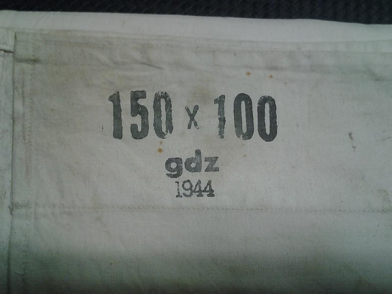 drapeau croix-rouge: original ou copie? 2014-117