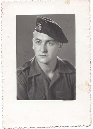 Paul CHAPRON nous a quittés le 16 décembre 2014 à 81 ans. Ancien de la 12° Cie du 6° B.P.C, bataillon Bigeard Capon110