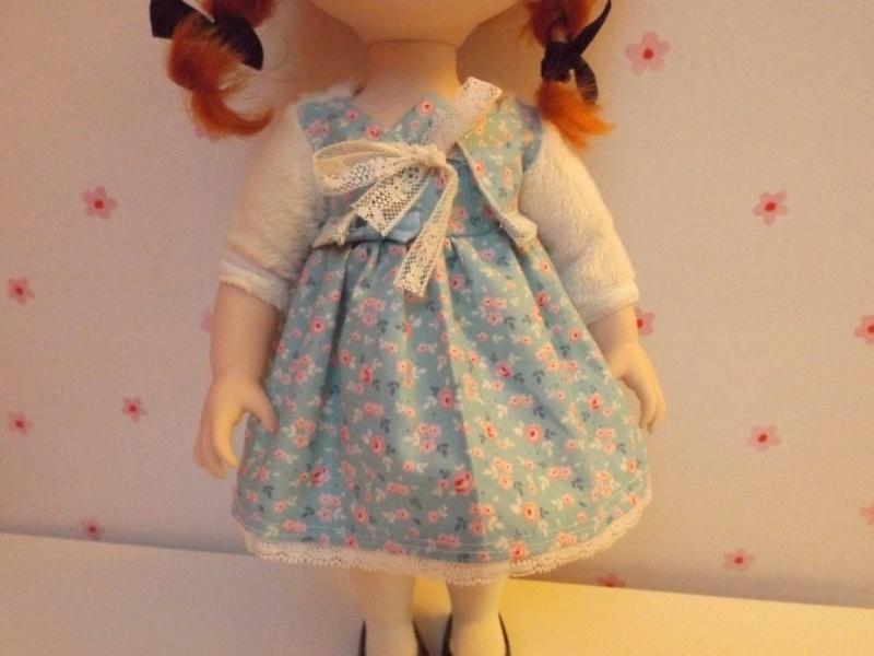 tenues/confections pour poupées disney Dscf0216