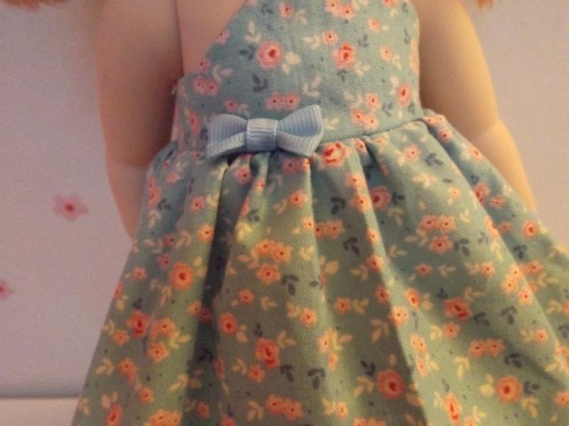 tenues/confections pour poupées disney Dscf0219