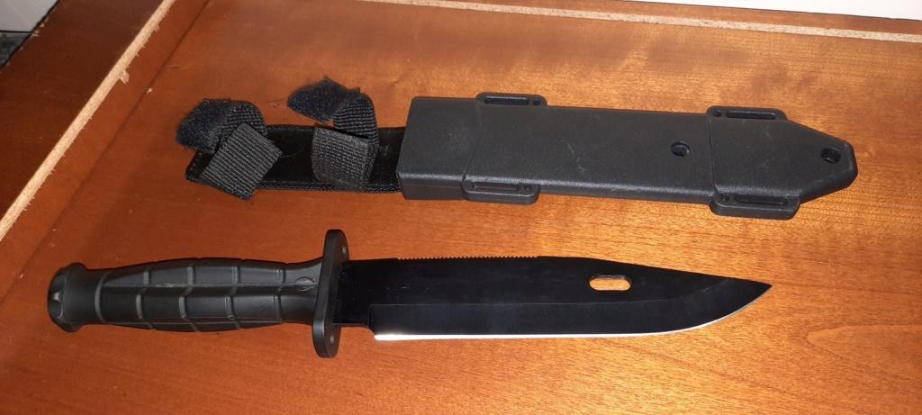 Couteau de combat 20210153