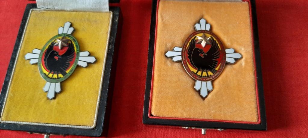 Mes corbeaux a trois pattes : les badges de la société d'entraide au soldat  20210362