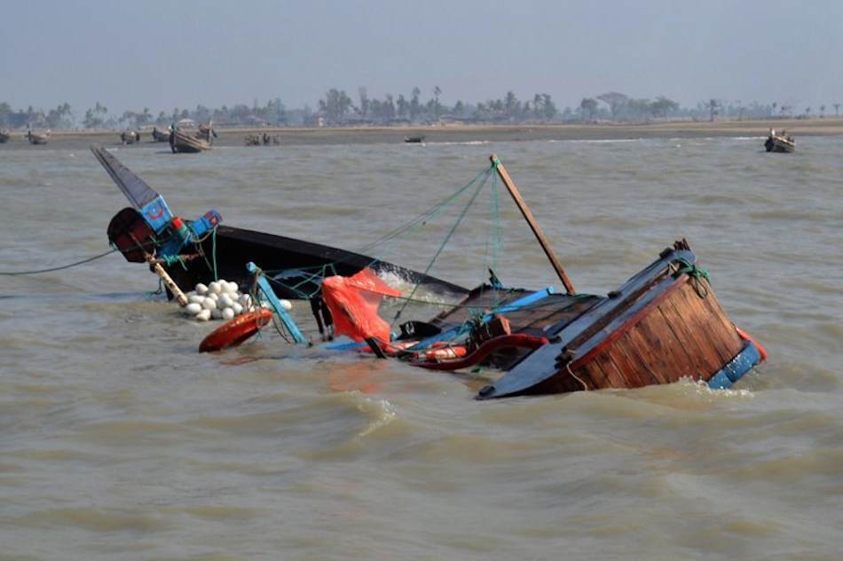 Four Persons Died As Boat Capsized In Delta State  Boat-c10
