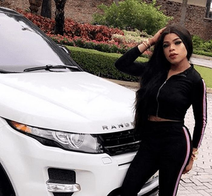Bobrisky Beaten By A Man Who Bashed His Range Rover Velar Car In Lekki ( Watch Video) Dfdfsg10
