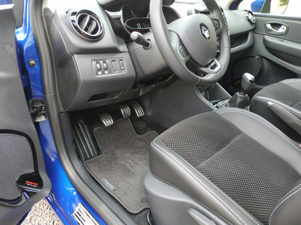 clio 4 intence bleu iron Thumbn18