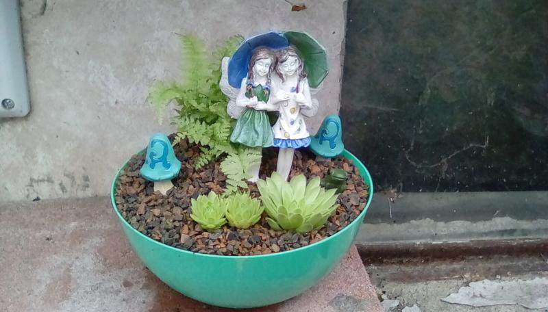 Evie's Little Fairy Garden Img_2010