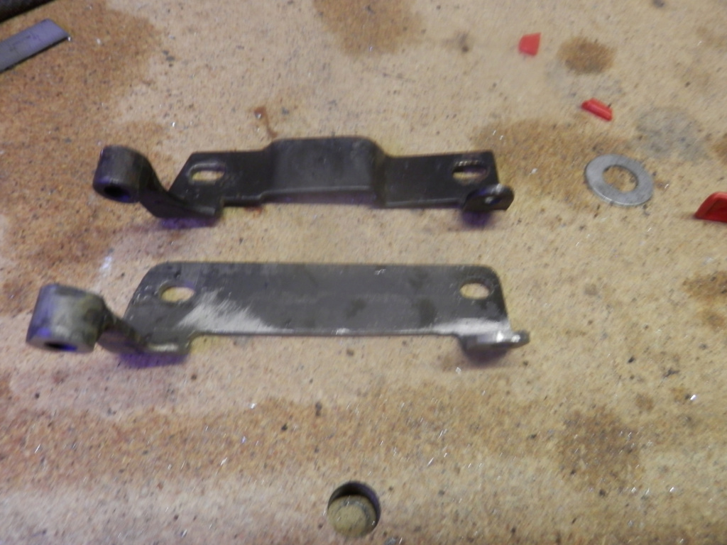 K1100 Komfort Seat Hinges and Locking Post All Finished. Seat_h10