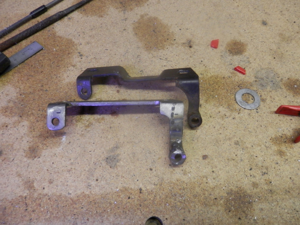 K1100 Komfort Seat Hinges and Locking Post All Finished. Seat_h11