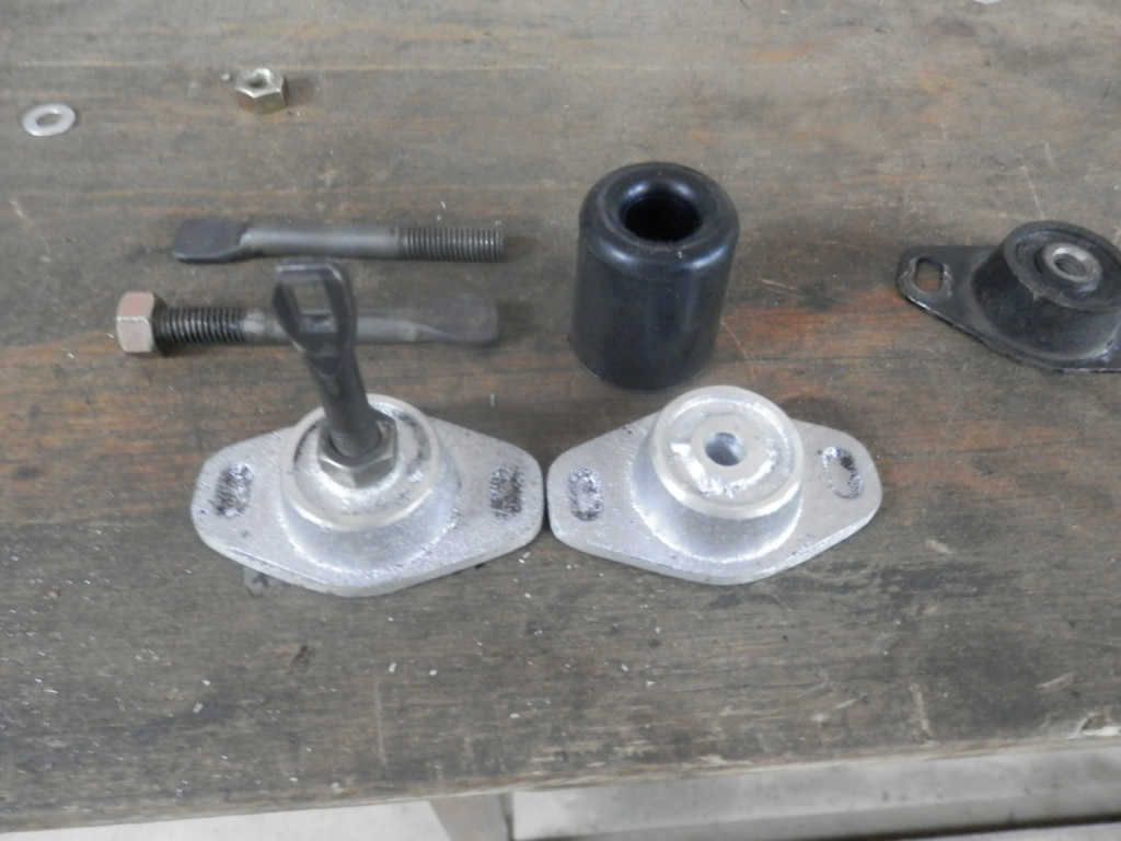 K1100 Komfort Seat Hinges and Locking Post All Finished. Seat_p11