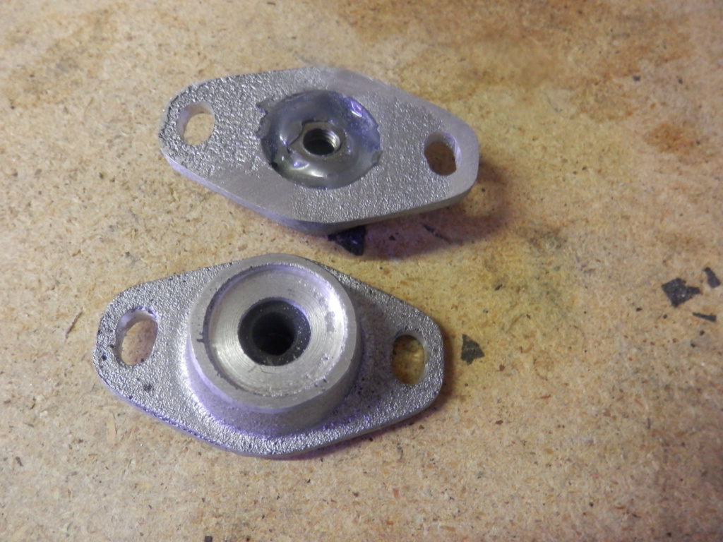 K1100 Komfort Seat Hinges and Locking Post All Finished. Seat_p14