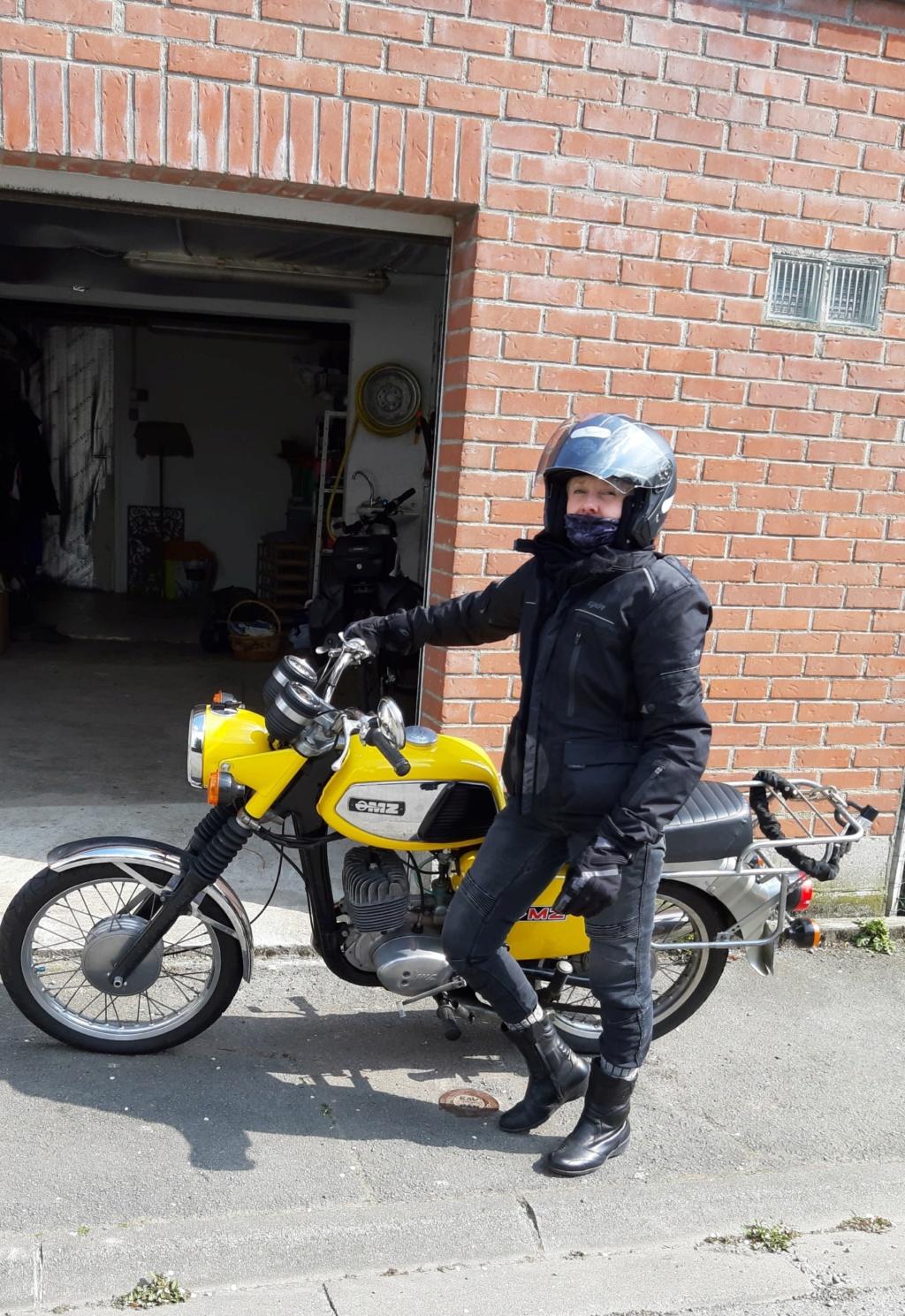 Moto (nom féminin) 56828010