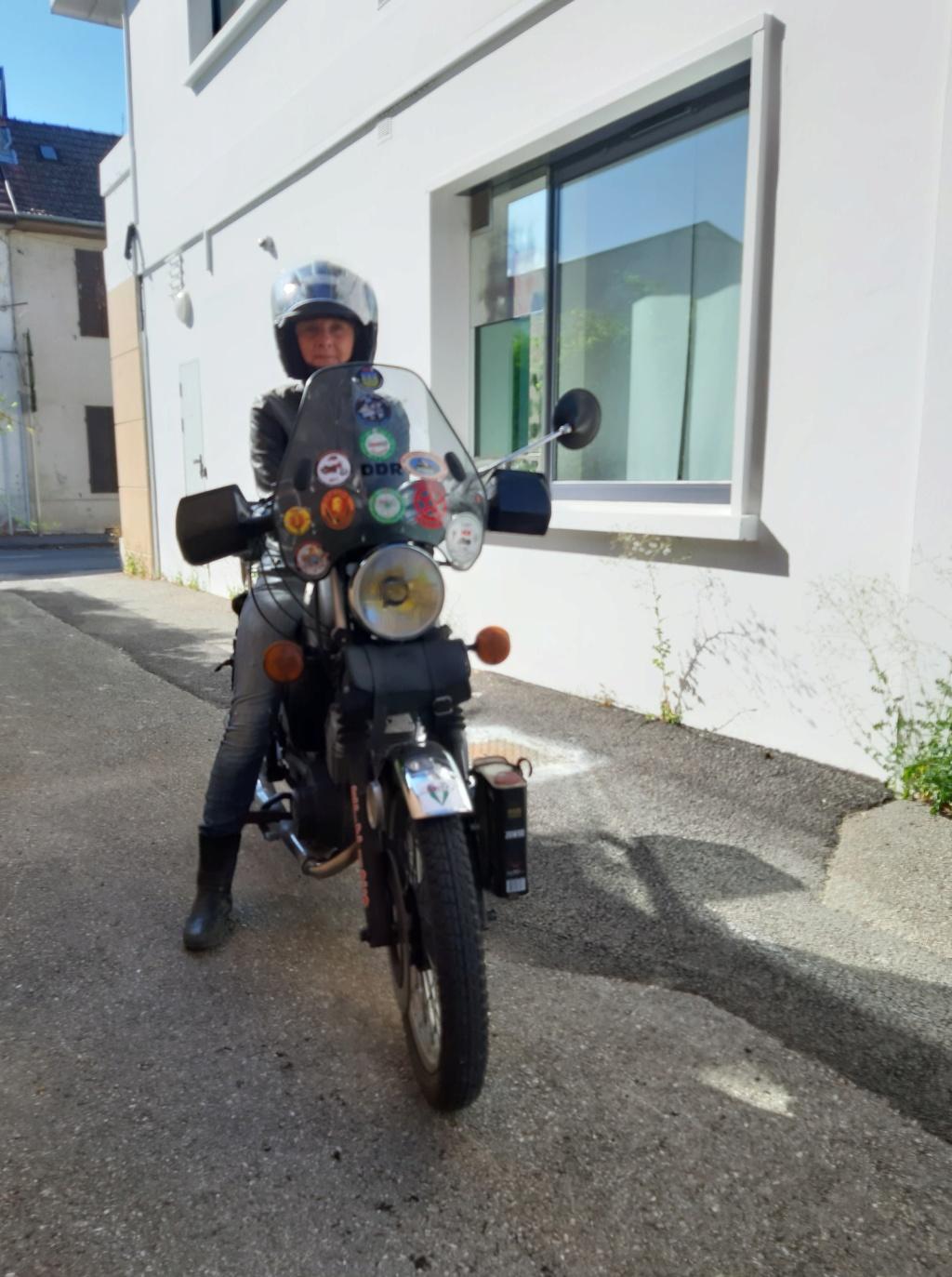 Moto (nom féminin) 67701711