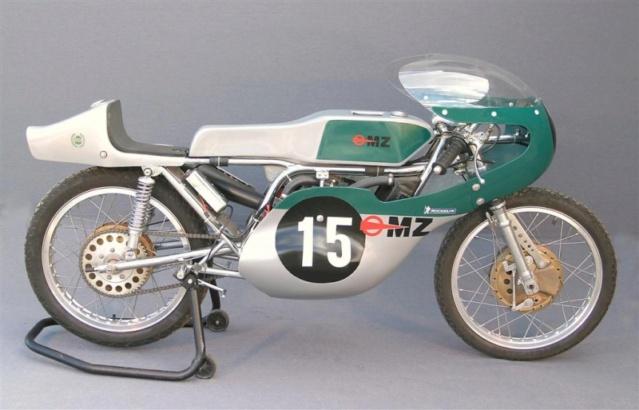 bonne paques  Moto-m10