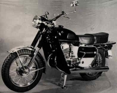 Plus à l'est : les motos Voskod Voshod10