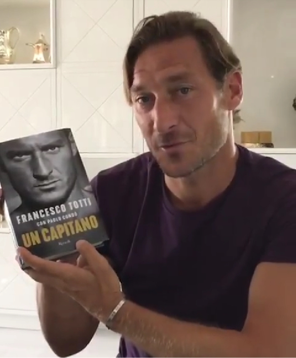 [HAF] Francesco Totti (1993-2017) - Page 29 Livret10