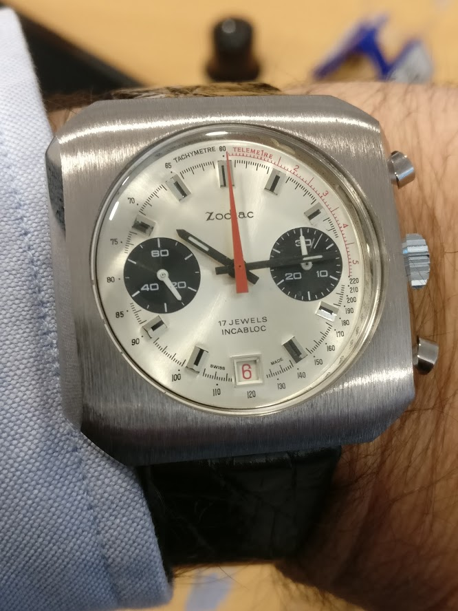 Relógio Zodiac 1970 vintage panda chronograph Valjoux 7734 date Img_2117
