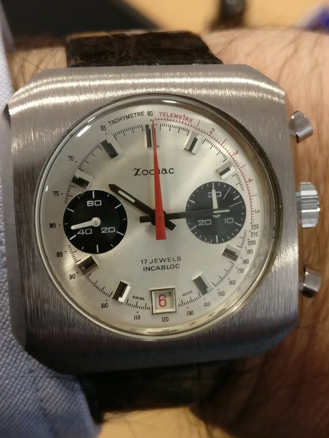 Relógio Zodiac 1970 vintage panda chronograph Valjoux 7734 date Img_2120