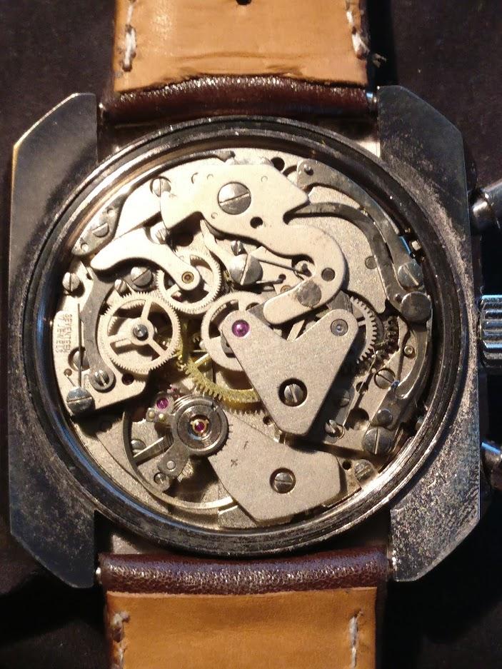 Relógio Zodiac 1970 vintage panda chronograph Valjoux 7734 date Img_2126