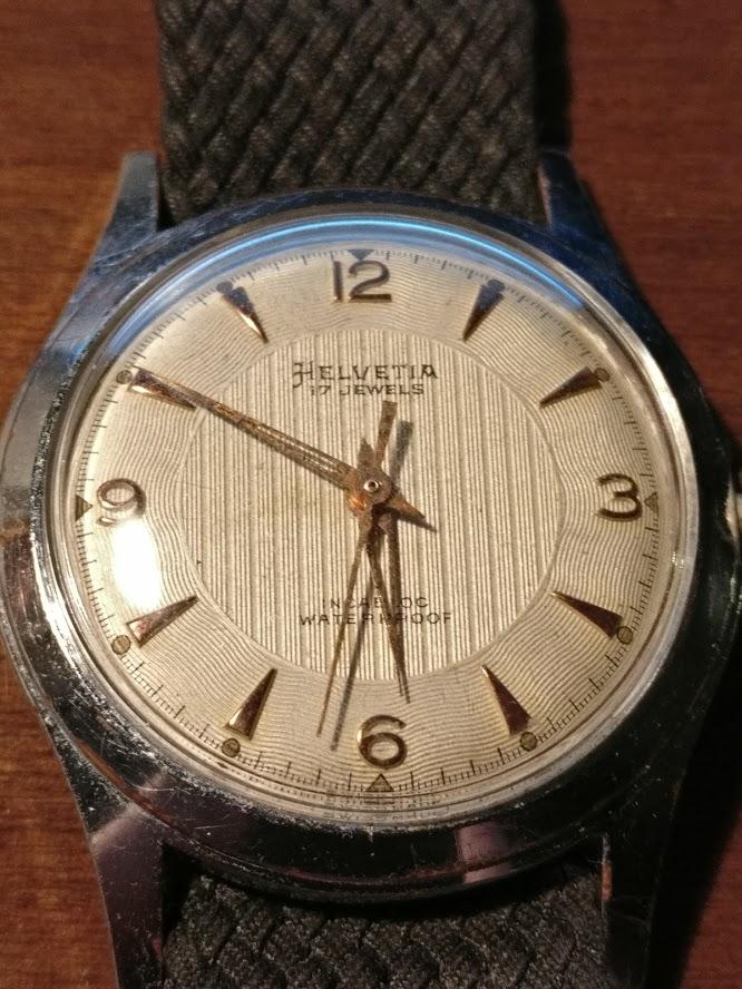 Relógio vintage Helvetia (anos 50), mecânico, a corda manual Img_2134